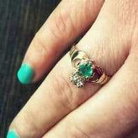 14ct Gold Emerald Claddagh Ring|Gilmartin's Craft Shop